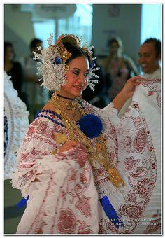"""PANAMA """"La Pollera"""" traje típico de Panamá by Jaime J. Quiel, via Flickr"""