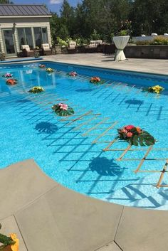 Pool Decor Ideas For Your Backyard Wedding ★ wedding pool party decoration ideas floating flower legaultcreative Backyard Wedding Pool, Backyard Pool Parties, Pool Wedding Decorations, Floating Pool Decorations, Luau Bridal Shower, Floating Flowers, Floating Candles, Tropical Pool, Swimming Pools
