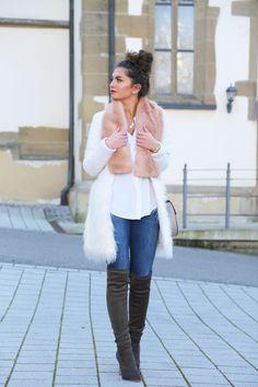 faux fur scarf: Edited // coat: Shein(similar here/here) // jeans: 7fam // blouse: Zara (similar here) // top: H&M // bag: Chloé // overknees: Joie // earrings: Tory Burch // necklaces: Kate Spade/F21 // watch: Triwa // bracelets: Tory Burch, Kate Spade X Anni BLOGLOVIN // FACEBOOK // INSTAGRAM // PINTEREST // TWITTER ———————————————————————————————— shop …
