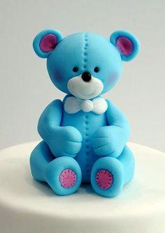 Pour les fans de cake design, je vous propose de découvrir comment faire un ourson en pâte à sucre grâce au tuto de Galina Duverne !