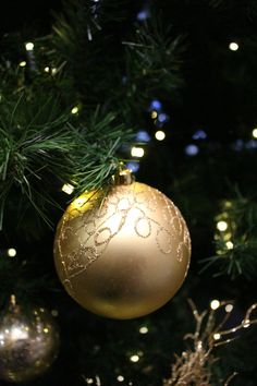 we supply and hire corporate office and commercial christmas decorations and provide decorated christmas trees rental