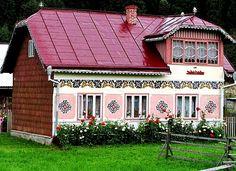 Info.Carlibaba.Bucovina.Online: Cele mai frumoase sate din Bucovina European House, Good House, Our World, Globe, Rustic, Traditional, Outdoor Decor, Houses, Colorful