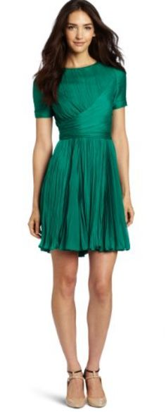 Adorable Emerald dress! #coloroftheyear via @Glitter Guide