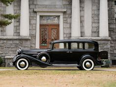 1933 Cadillac V-16 Seven-Passenger Sedan by Fleetwood   Amelia Island 2015   RM Sotheby's