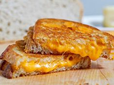 A grilled cheese is a grilled cheese, right? Wrong, without these 5 commandments it ain't no grilled cheese sandwich!A Grilled Cheese Must. be a closed sandwich, griddled on both sides. Gourmet Grill, Comida Kosher, Do It Yourself Videos, Perfect Grilled Cheese, Cheese Day, Cheese Food, Cheese List, Daiya Cheese, Swiss Cheese