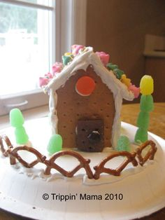 """Trippin' - Life with Triplets: Graham Cracker """"Gingerbread"""" Houses"""