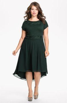 Vestidos longos para gordinhas | plus size fashion - http://vestidododia.com.br/vestidos-longos/vestidos-longos-para-gordinhas/