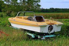 8 tips for buying a used boat: 1. Look for cracks in the fibreglass above and below the waterline 2. Inspect for signs of damage 3. Check for loose seats 4. Look for mildew 5. Make sure the electronics work 6. Check the belts 7. Start the engine 8. Test the oil
