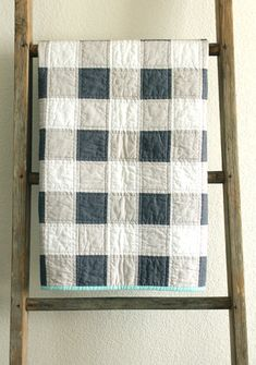grey and white patchwork gingham baby quilt. by craftyblossom baby decke Items similar to grey and white patchwork gingham baby quilt. on Etsy Gingham Quilt, Blue Quilts, Grey Quilt, Flannel Quilts, Quilt Baby, Baby Patchwork Quilt, Quilting Projects, Quilting Designs, Sewing Projects
