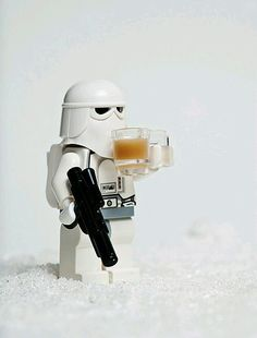 You know we love Lego and Star Wars on Bit Rebels, and when those two things mix, we see fireworks. The last time I wrote about little Lego Star Wars figur Star Wars Clones, Lego Star Wars, Ps Wallpaper, Non Plus Ultra, Love Stars, Lego Creations, Coffee Break, Coffee Coffee, Drinking Coffee