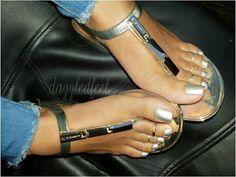 Pretty Toe Nails, Sexy Nails, Sexy Toes, Pretty Toes, Sexy Sandals, Cute Sandals, Bare Foot Sandals, Feet Soles, Women's Feet