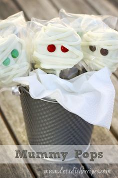 For some reason, Halloween treats are not my forte. But I love the way these adorable Oreo Mummy Pops turned out. And once I ...