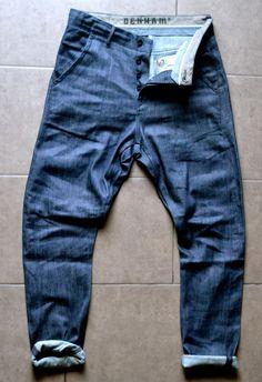DENHAM - The Jeanmaker Modelo: Apache Estilo: Slim Fit Fecha Inicio: 19/09/14 Man Jeans, Jeans Pants, Denham Jeans, Trendy Fashion, Mens Fashion, Tactical Clothing, Vicks Vaporub, Jack Jones, Urban Outfits