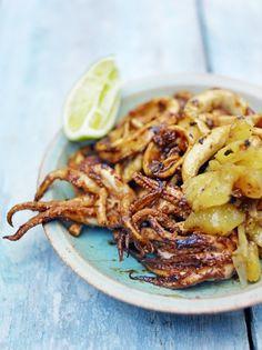 Squid with tamarind recado & pineapple salsa Best Bbq Recipes, Barbecue Recipes, Fish Recipes, Vegetable Recipes, Seafood Recipes, Mexican Food Recipes, Cooking Recipes, Ethnic Recipes, Octopus Recipes