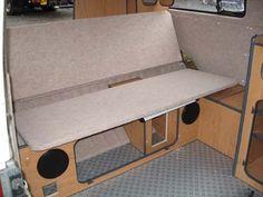 Cama en Kombi VW Vw Camper, Camper Beds, Campers, Interior Kombi, Volkswagen Bus Interior, Kombi Trailer, Trailers, Siege Camping, Motorhome Living