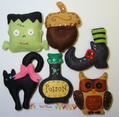 Wool Felt Halloween Ornaments to handstitch and stuff available from woolhearts on etsy. Felt Halloween Ornaments, Halloween Banner, Halloween Trees, Halloween Home Decor, Halloween Projects, Halloween House, Felt Ornaments, Holidays Halloween, Halloween Crafts