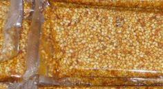 Pasteli. Σπιτικό παστέλι με σουσάμι και ξηρούς καρπούς Fudge, Vegetables, Food, Essen, Vegetable Recipes, Meals, Yemek, Veggies, Eten