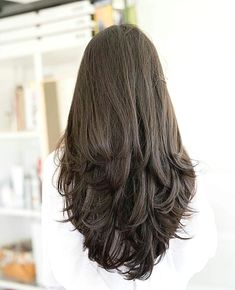 50 Gorgeous Layered Haircuts for Long Hair Hair Motive Haircuts For Long Hair With Layers, Haircuts Straight Hair, Long Hair Haircuts, Haircut For Medium Length Hair, Haircut Layers, Long Haircuts For Women, Long V Haircut, Long Layered Haircuts Straight, Long Brunette Hairstyles