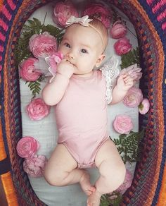 Pretty in Pink. Fall Baby Pictures, Boy Pictures, Newborn Pictures, Baby Photos, Infant Pictures, Outdoor Baby Photography, Newborn Photography, Photography Tips, Newborn Gifts