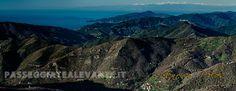 Il sole sorge sulla Val Graveglia sui monti la costa di Genova, Portofino, gli Appennini, le Alpi innevate... - Sunrise on Graveglia Valley, the Genoise coast, Portofino, the Apeninnes, the Alps...
