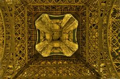"500px / Photo ""Eiffel Tower II"" by Dominic Royé"