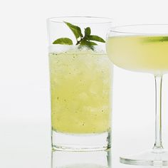 The oldest-known recipe for the #mojito appeared as the Mojo de Ron in a 1929 #Cuban guide called Libro de Cocktail (The Cocktail Book).