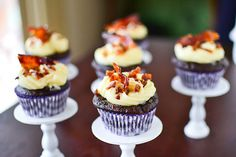 cupcakejunkie:  Chocolate Beer Batter Cupcakes with Maple Bacon Frosting