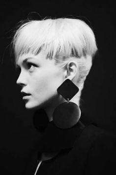Girl with Short Blonde Hair | Short Hairstyles 2014 | Most Popular Short Hairstyles for 2014