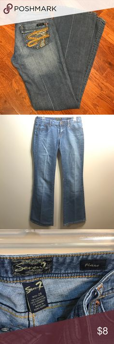 Seven 7 Jeans Flare Used, missing stones on back pockets, has a small area of fabric paint on both inside thigh area. In good condition over all Seven7 Jeans Flare & Wide Leg