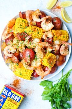 Instant Pot Shrimp Boil - Everyone& favorite low country boil can be made s. Instant Pot Shrimp Boil - Everyone& favorite low country boil can be made so easily and effortlessly right in your pressure cooker in just 6 minutes! Best Instant Pot Recipe, Instant Pot Dinner Recipes, Instant Recipes, Instant Pot Pressure Cooker, Pressure Cooker Recipes, Pressure Cooking, Pasta Facil, Crock Pot Recipes, Egg Recipes
