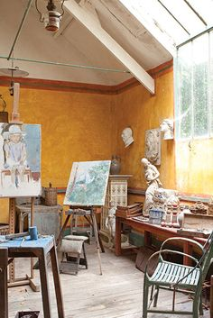 """""""Go to the Hotel Baudy in Giverny. There you will find all that you need to paint, and the best company,"""" Impressionist Camille Pissarro urged."""