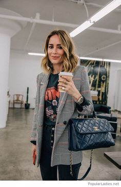 winter-womens-fashion-trends-and-styles - : Chic Graphic Tee + Blazer Outfit Mode Outfits, Office Outfits, Fall Outfits, Fashion Outfits, Fashion Trends, Womens Fashion, Office Attire, Office Wear, Ladies Fashion