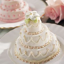 mini tiered cakes--great for the bridal shower.