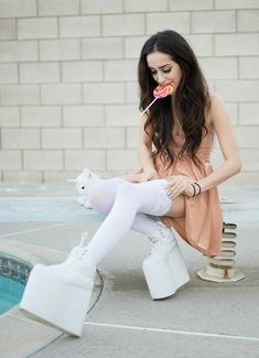 Platform Boots, Platform Sneakers, Knee High Boots, High Heels, Buffalo Shoes, Spice Girls, White Jeans, Heeled Boots, Costumes