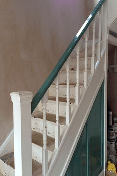 See the hallway renovation of our house. With orange and grey interior design and refurbished with original features. Stair Bannister Ideas, Indoor Stair Railing, Outdoor Stairs, Railing Ideas, Hallway Wall Decor, Hallway Walls, Hallway Decorating, Hallways, Hallway Wallpaper