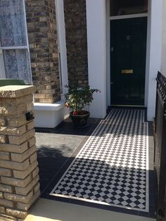 London Front Garden victorian black and white mosaic tile path At the momen… Victorian Front Garden, Victorian Porch, Victorian Homes, Terrace House Exterior, Front Steps, Front Path, White Mosaic Tiles, Small Front Gardens, London Garden