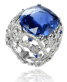 The deep blue sky always with you… #Chopard