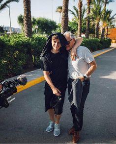 Martin Garrix with his papa! Shawn Mendes, Edm, Rave Music, Electro Music, Alesso, Best Dj, Progressive House, Calvin Harris, Avicii
