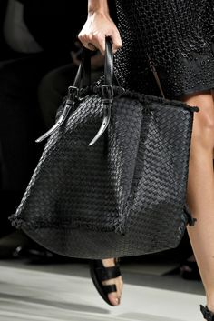 5fd3d481cc5 Bottega Veneta New Handbags, Fashion Handbags, Fashion Bags, Style Outfits,  Dali,