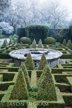 Bourton House Garden - formal gardens.........