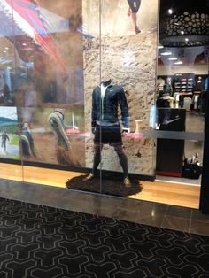 Nike Trail Running - We Run Dirty - 3D retail sports window display