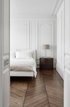 Bedroom. 16 Montagu Square by d_raw.