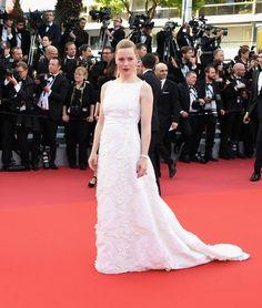 Melissa George en Schiaparelli haute couture et bijoux Piaget