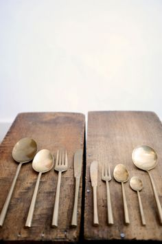 285 € http://www.ateliersolarshop.be/product/vintage-brass-cutlery-set-for-6
