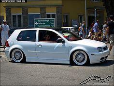 White VW Golf Mk4