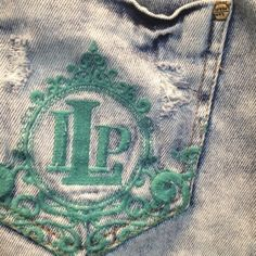 Somos apaixonadas pelos detalhes! ❤ #lplovers #lancaperfume #jeans #verao15