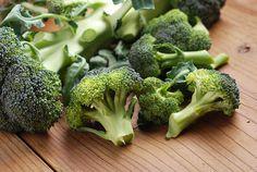 El #brócoli es una #verdura con múltiples beneficios para la salud, por lo que debes incorporarlo a tu #dietasaludable como #alimento o #complementoalimenticio. ¡Descubre sus 8 principales #propiedades!