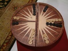 A circular backgammon board... someone please make one of these for me!