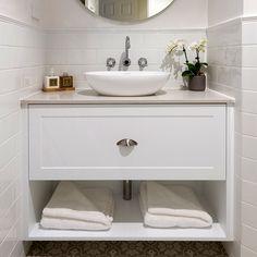 lavare-custom-hamptons-vanity-2a Tiny Bathrooms, Beach Bathrooms, Modern Bathroom, Wall Hung Bathroom Vanities, Bathroom Storage, Tub Tile, Bathtub Shower, Shaker Style, The Hamptons