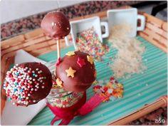 Cake pops de chocolate Cake Pops, Chocolate, Desserts, Food, Pound Cake, Recipes, Tailgate Desserts, Deserts, Cakepops